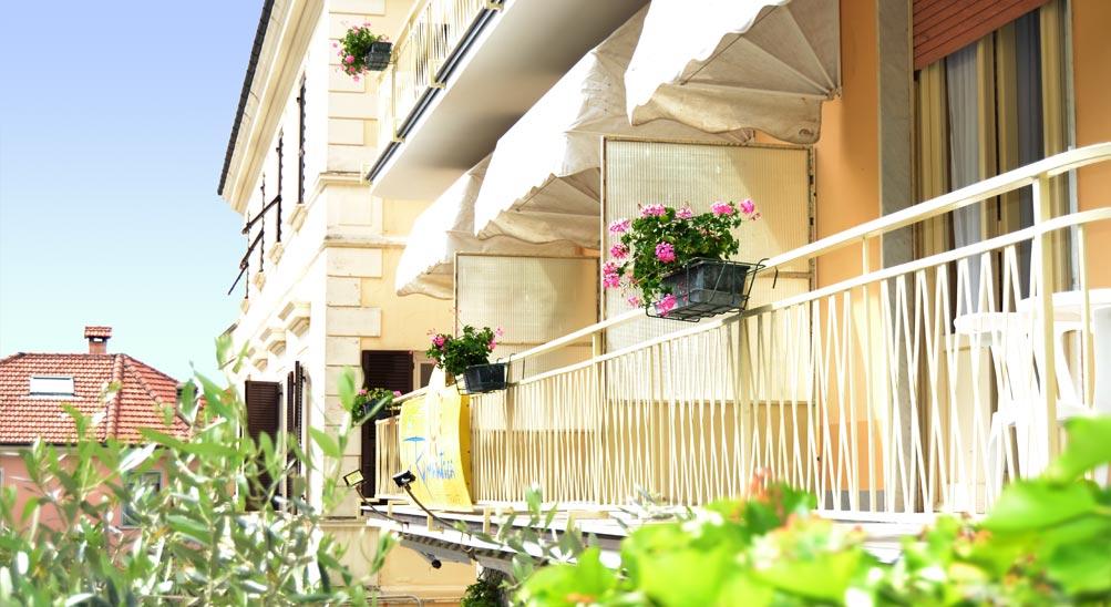 Camere con balcone, bb, bad and breakfast Albergo Hotel Ristorante Eva la Romantica a Moneglia