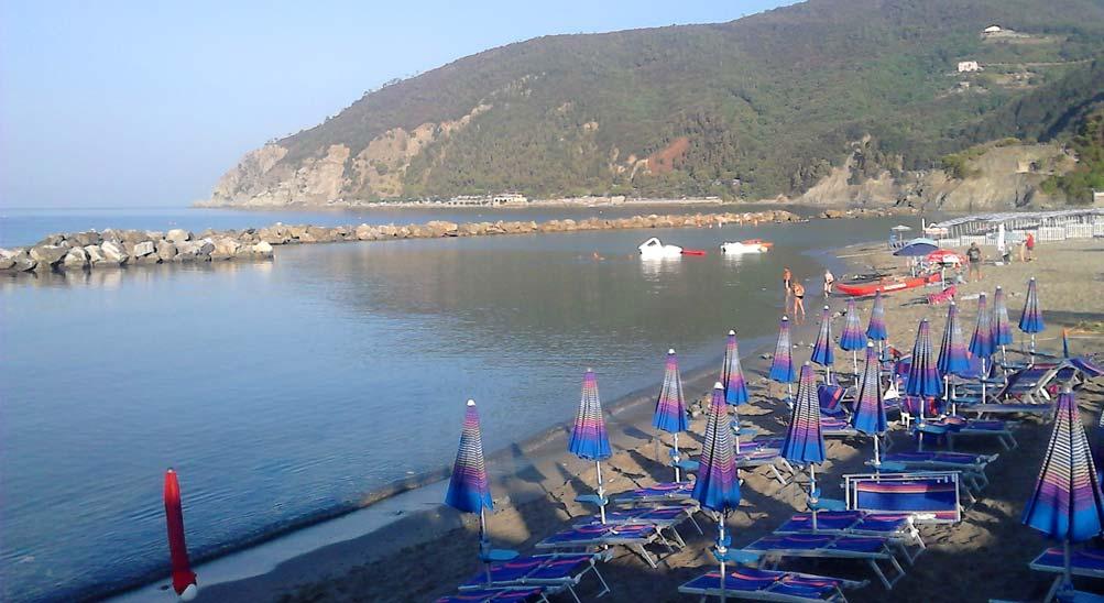 camere b&b bad & breakfast Hotel Ristorante Eva la Romantica sulla spiaggia a Moneglia
